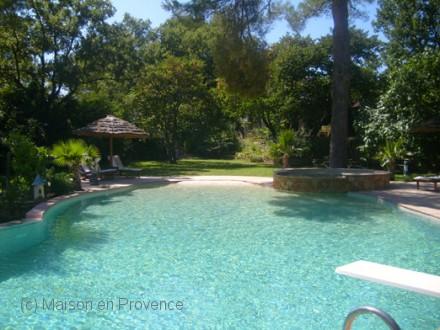 Maison en provence locations de vacances dans le var 83 for Location maison avec piscine gorges du verdon