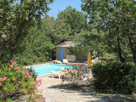 la piscine de la location de vacances villa verfeuil gard - Location Maison Vacances Piscine Prive