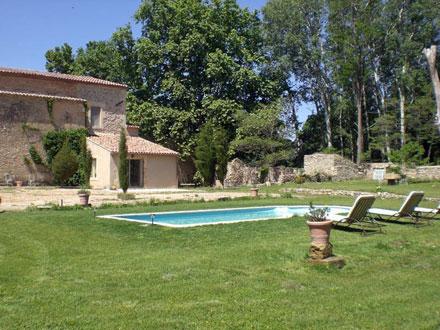 Mas piscine priv e aux coeur des alpilles mouri s for Location vacances bouches du rhone piscine