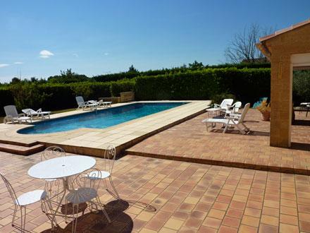 Villa piscine priv e proximit du village et de ses for Piscine la bulle saint quentin