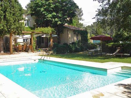 villa piscine priv e proximit du centre historique d 39 aix en provence aix en provence. Black Bedroom Furniture Sets. Home Design Ideas
