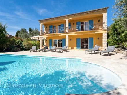 Detached villa in Fayence