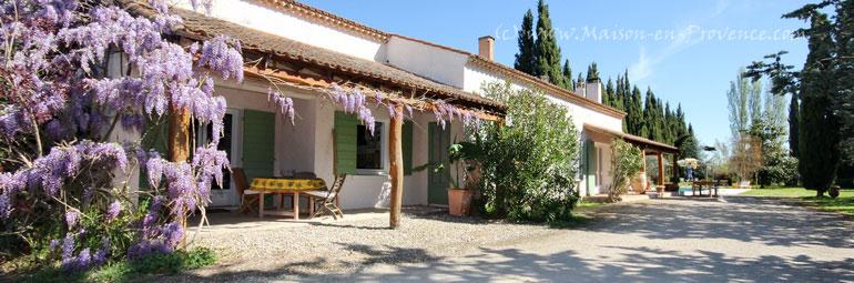 Villa piscine priv e la campagne 5 minutes du for Entretien jardin st remy de provence