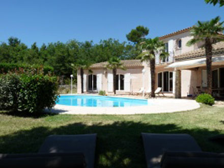 Photo villa saint maximin la sainte baume saint for Cash piscine saint maximin
