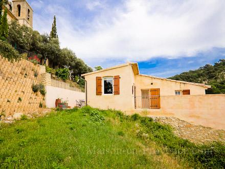 Maison de village vue sur les dentelles de montmirail - Maison jardin restaurant altamonte springs fort de france ...