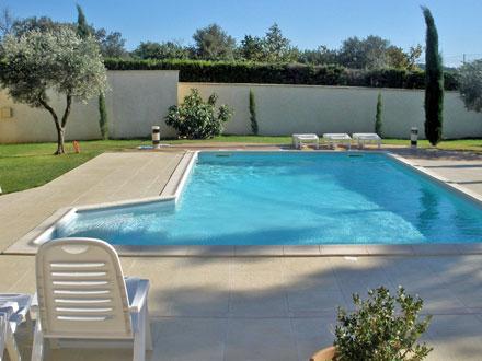 Villa piscine priv e aux pieds du mont ventoux b doin for Club vacances ardeche avec piscine