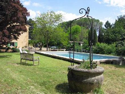 villa piscine priv e dans le grand site sainte victoire aix en provence bouches du rh ne. Black Bedroom Furniture Sets. Home Design Ideas