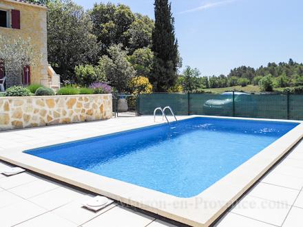 Mas en pierre piscine priv e au c ur de la provence for Piscine 16eme