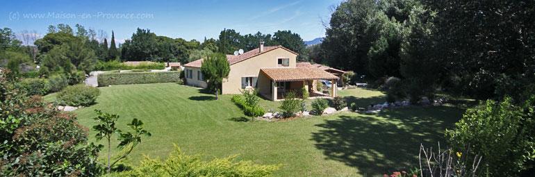 Villa, piscine privée, grand jardin privé, à 20 minutes d\'Avignon ...