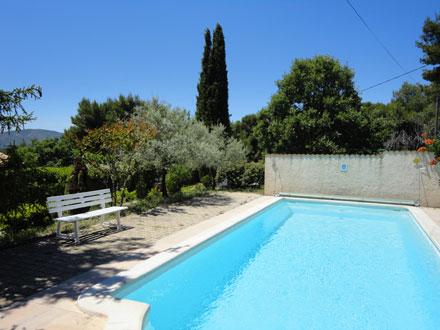Louer villa villelaure vaucluse r servation for Piscine lau balagnas