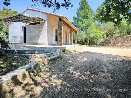 villa 5 minutes du village la croix valmer var location de vacances n 1138 par maison. Black Bedroom Furniture Sets. Home Design Ideas