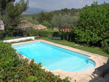 Villa piscine priv e proximit du centre du village de for Location vacances bouches du rhone piscine
