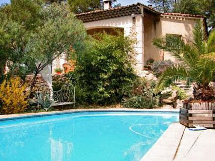 Villa piscine priv e proximit du parc naturel des for Location vacances bouches du rhone piscine