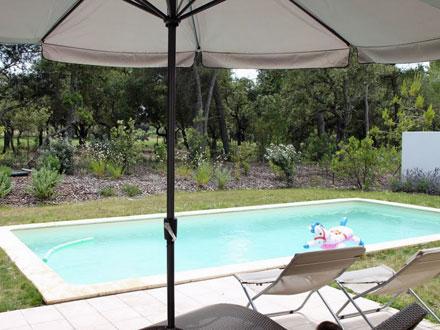 Villa piscine priv e au coeur du domaine du golf for Le jardin mallemort