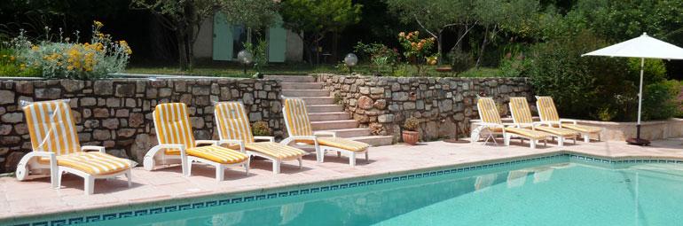 Villa piscine priv e au calme 4 km du centre ville de for Piscine de draguignan