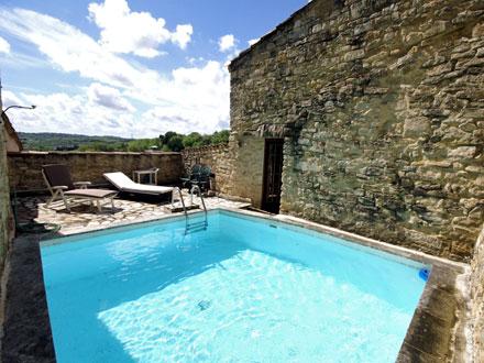Maison de village piscine priv e au c ur du village for Portable piscine assurance