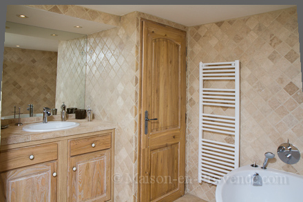 salle de bain provenale great salle de bain provenale meilleur salle de bain style oriental. Black Bedroom Furniture Sets. Home Design Ideas