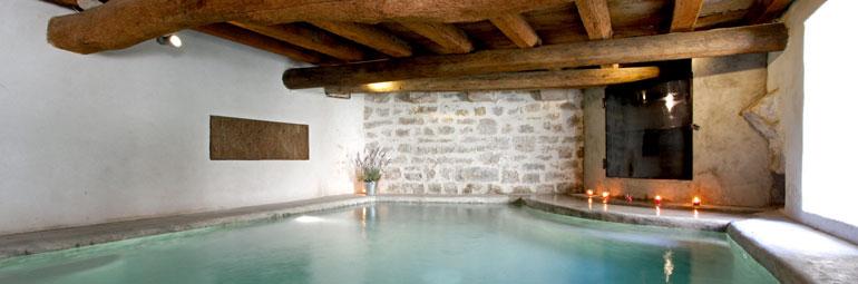 Maison de village piscine priv e au coeur du village for Location vacances bouches du rhone piscine