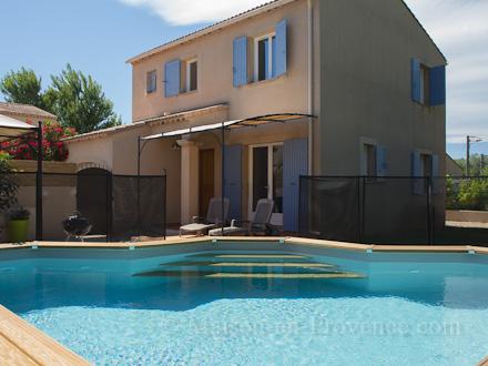 Holiday detached villa private pool in a quiet location 10 km from avignon in entraigues sur - La table d or entraigues sur la sorgue ...