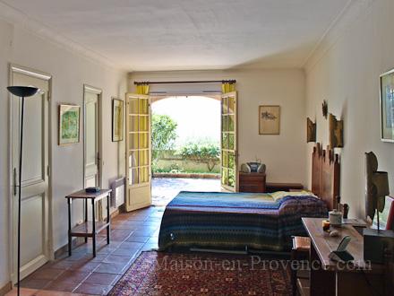 location studio avec jardin privatif 224 grimaud var ref m1243