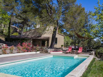 Villa piscine priv e 5 km de manosque entre luberon for Cash piscine pierrevert