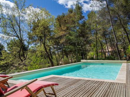Maison en provence villa pierrevert alpes de haute for Piscine pierrevert