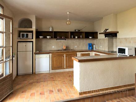 Location mas en pierre caseneuve vaucluse ref m1265 - Cuisine maison pierre ...