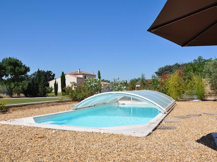 Villa piscine priv e la campagne dans les alpilles for Location vacances bouches du rhone piscine