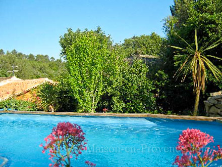 Holiday detached villa private pool in n mes gard for Piscine nemausa nimes