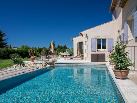 villa piscine priv e la campagne au calme cavaillon vaucluse location de vacances n. Black Bedroom Furniture Sets. Home Design Ideas