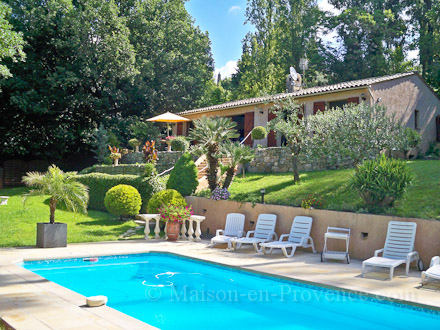 Villa piscine priv e grasse alpes maritimes for Piscine les 2 alpes