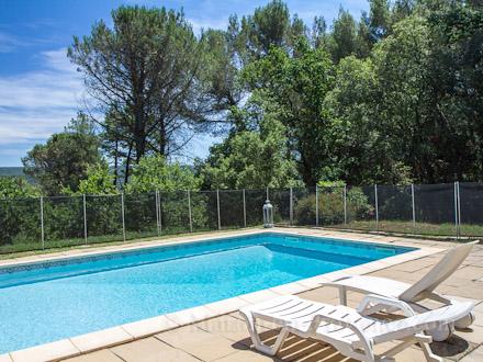 villa piscine priv e au calme sur les hauteurs