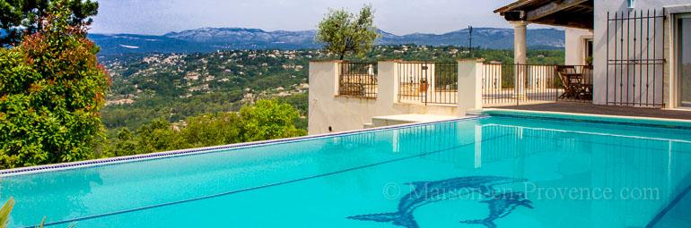 Villa piscine priv e vue panoramique sur la vall e de for Soleil piscine montauroux