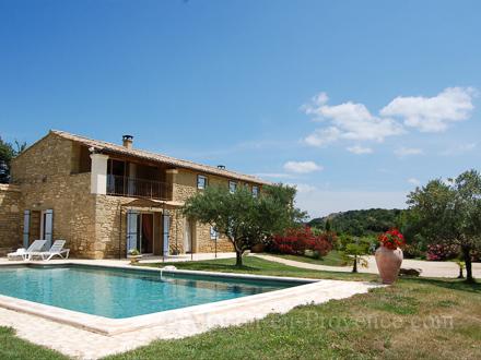 Provençal stone-built detached house in Saint-Quentin-la-Poterie