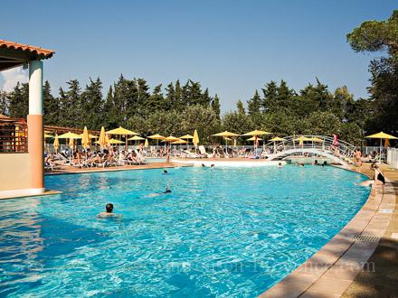 Plage privee avec piscine alpes maritimes location avec for Piscine alpes maritimes