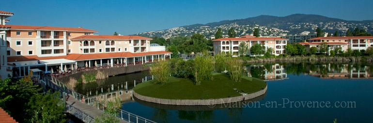 Domaine piscine situation prestigieuse sur la c te d for Piscine mandelieu