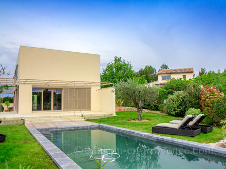 Villa, piscine privée, maison moderne au calme à proximité du center ...