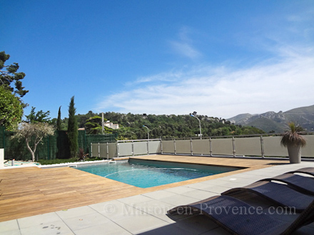 Villa piscine priv e marseille bouches du rh ne for Location vacances bouches du rhone piscine