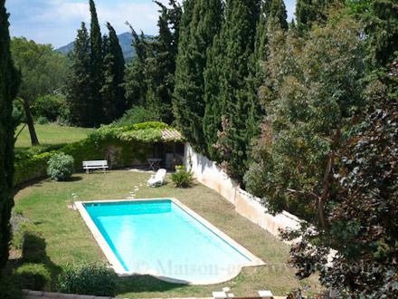 Villa piscine clermont l 39 h rault 34 location de for Piscine clermont