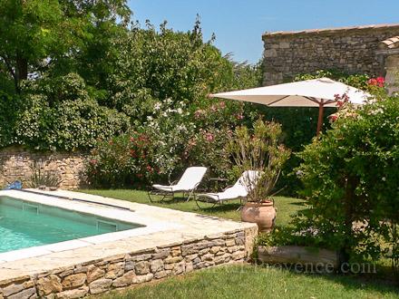 Maison en pierre piscine priv e au coeur du village - Piscine style bassin pierre argenteuil ...