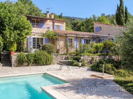 Location maison dans le var for Piscine querqueville