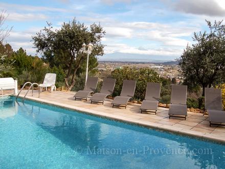 Villa piscine priv e belle vue sur le mont ventoux et le - Piscine de chateauneuf sur loire ...