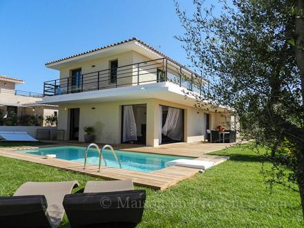 villa piscine priv e vue mer panoramique bandol var