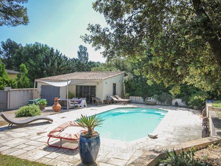 Villa piscine priv e a 20 minutes d 39 aix en provence for Piscine cabries