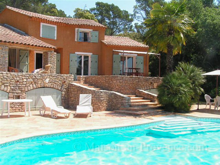 Holiday private pool in a pinetree forest in for Villa piscine france