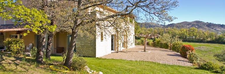maison en provence villa manosque alpes de haute provence disponibilit s et tarifs. Black Bedroom Furniture Sets. Home Design Ideas