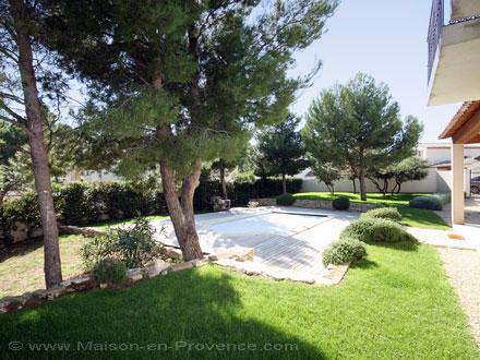 Villa au domaine du golf piscine priv e au coeur du for Le jardin mallemort