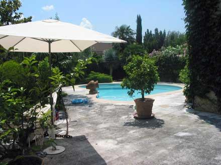 Maison piscine priv e grande maison de ville valr as vaucluse location de vacances n 26 for Piscine hebert