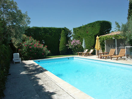 Villa piscine priv e jardin arbor d 39 oliviers arles for Location vacances bouches du rhone piscine