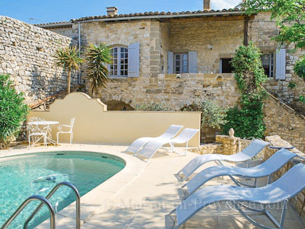 Holiday village semi deteched house private pool - La maison de provence ...